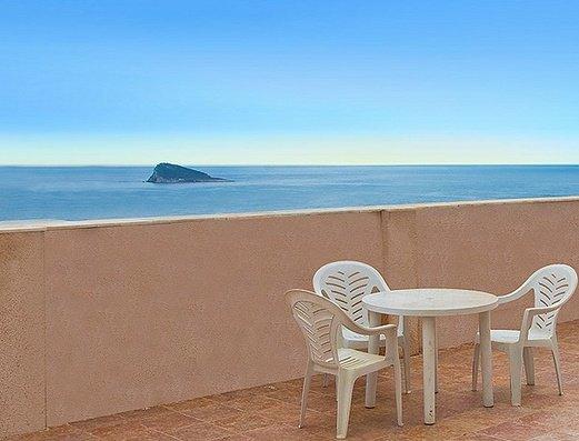 Amplia terraza con vistas al mar Apartamentos Magic Atrium Beach